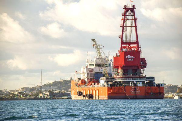Barge Cali pour le Kea Trader, Nouméa, juin 2020