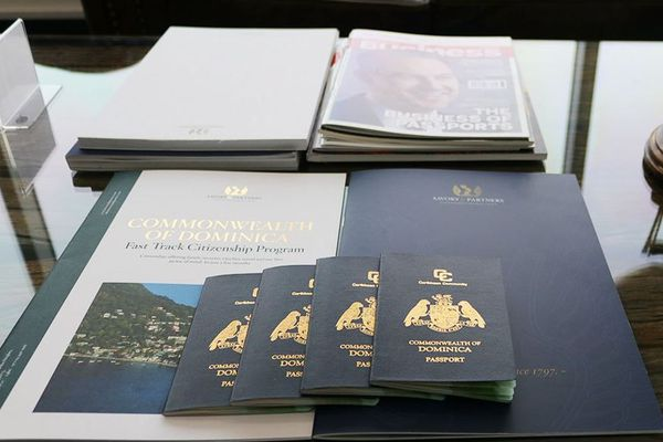 Dominique passeports