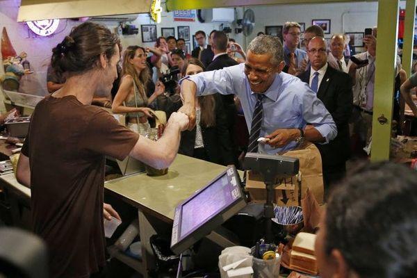 Obama resquille la file d'attente mais le paie cher