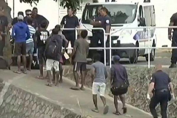 Huit migrants Sri Lankais ont été expulsés de La Réunion.