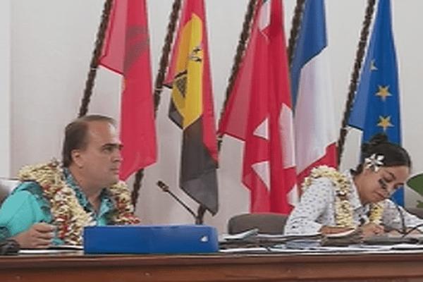 David Vergé président de l'assemblée territoriale dans l'hémicycle