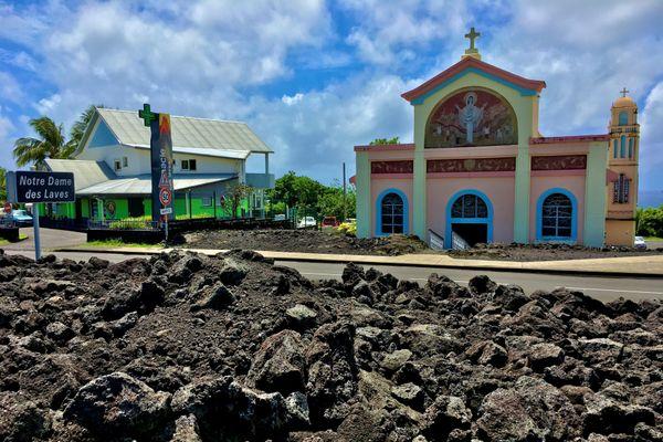 Eglise Notre-Dame des laves éruption 1977