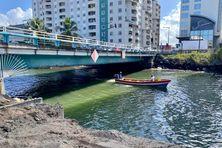 Les travaux de désensablement sont insuffisants pour permettre aux pêcheurs de naviguer sans être gênés par le sable.
