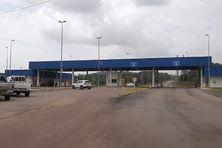 Les douanes brésiliennes à Oiapoque