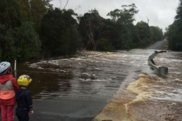 Les pires inondations depuis 50 ans en Tasmanie