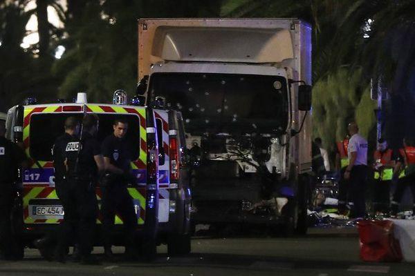 Attaque criminelle à Nice le 14 juillet 2016