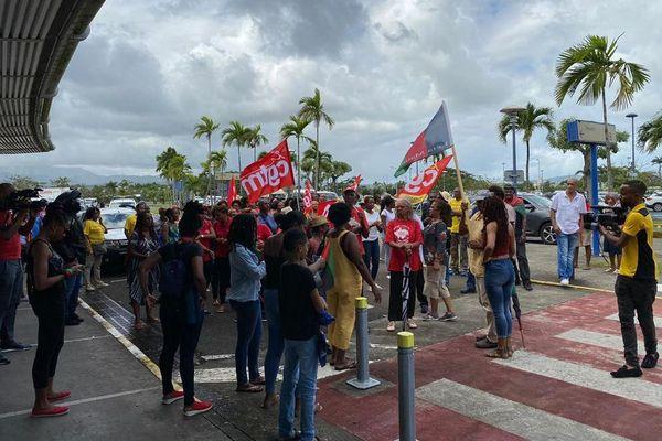 Manifestation en Martinique pour des contrôles des touristes