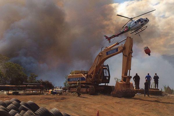 Incendie du Mont-Dore, La Coulée, zone industrielle (12 janvier 2017)