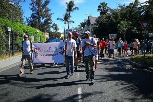 Paillotes marche protestation Kurr 250818