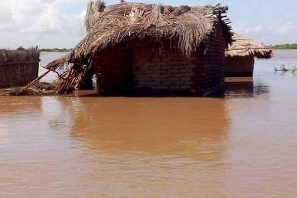 Village inondé au Mozambique