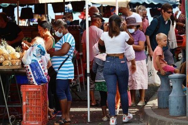 Le nombre de cas de coronavirus explose à La Réunion et les clusters se multiplient.