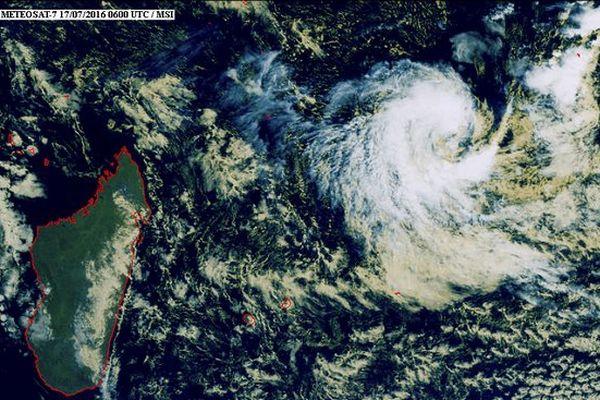 Image satellite dépression tropicale