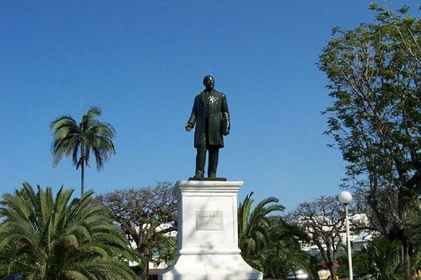 Statue François de Mahy