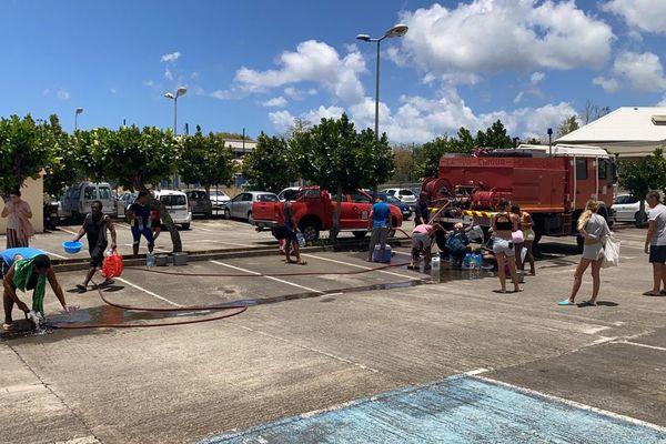 distribution eau par les pompiers