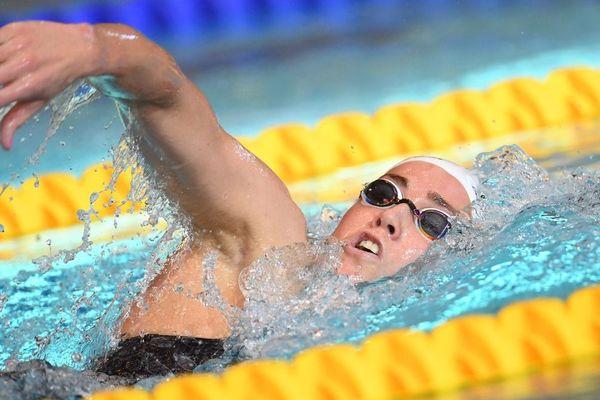 Lara Grangeon remporte pour la 2e fois d'affilée le 1500m nage libre aux championnats de France en grand bassin.