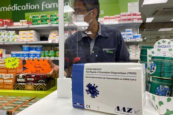 José Andreas,  docteur en Pharmacie présente le Trod Saint-Laurent
