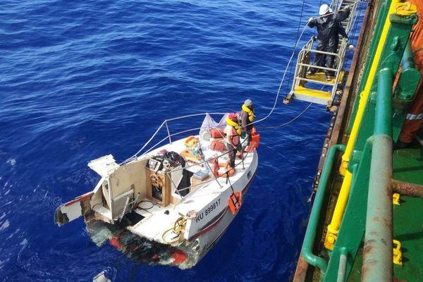 Deux pêcheurs secourus au large de La Réunion après 30 heures de dérive