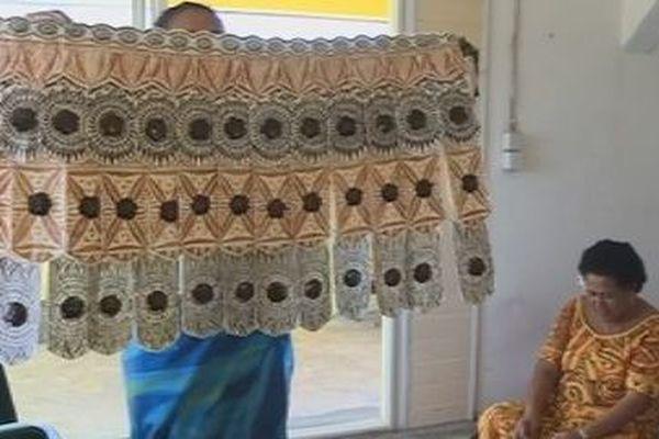 artisane et tenue traditionnelle