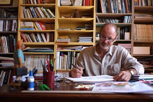 Au coeur de la brousse en folie - Film en compétition au FIFO 2015