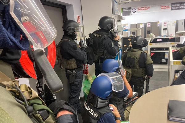Fausse prise d'otages