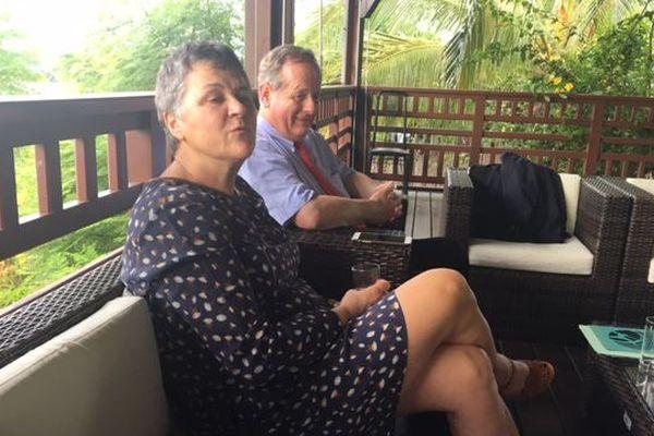 Mayotte et Guyane: Voynet missionnée pour travailler à des hôpitaux extraterritoriaux