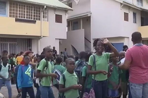 Evacuation de l'école Joseph Symphorien : le malathion à l'origine du désagrément