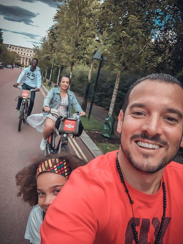 Anthony, Iris, Naya Luena et Jean-Vincent