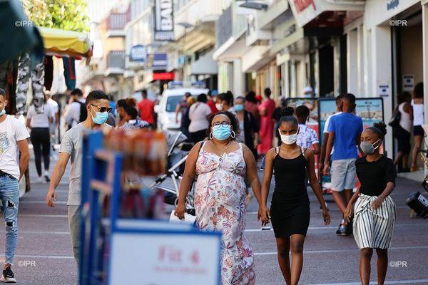 covid coronavirus rue piétonne Saint-Denis masque