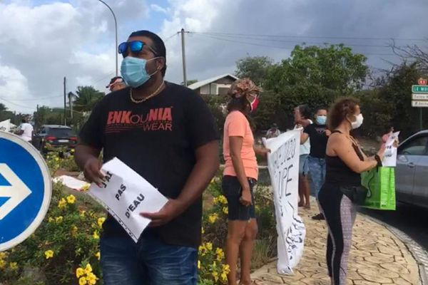Mouvements habitants Saint-François coupures d'eau