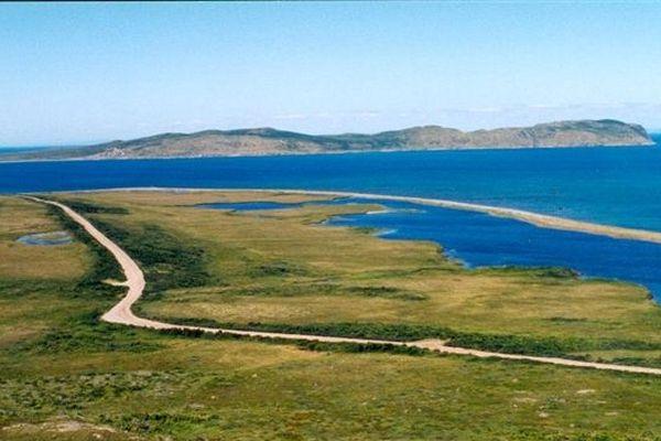 Saint Pierre et Miquelon sous le ciel bleu