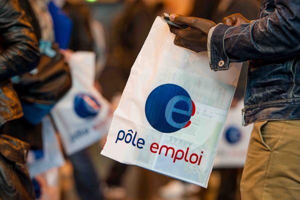 Demandeurs d'emploi lors d'un forum organisé à Arras