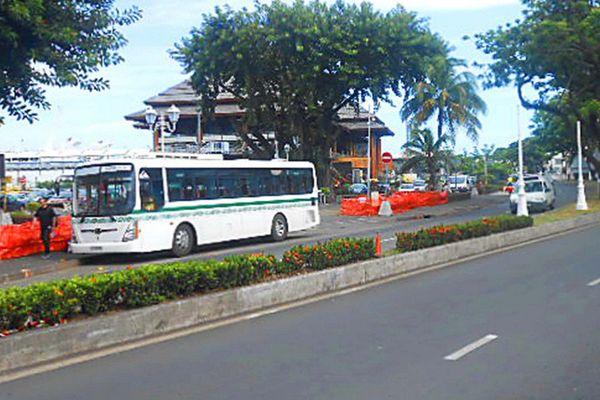 Travaux du rond-point du Pacifique : l'arrêt de bus déplacé