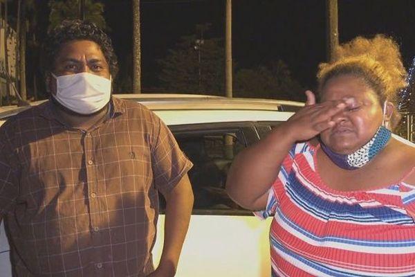 La famille Pansy a passé la nuit devant la mairie du Tampon, mercredi 20 janvier.