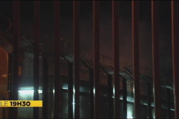 Mutinerie à la prison du camp est à Nouméa