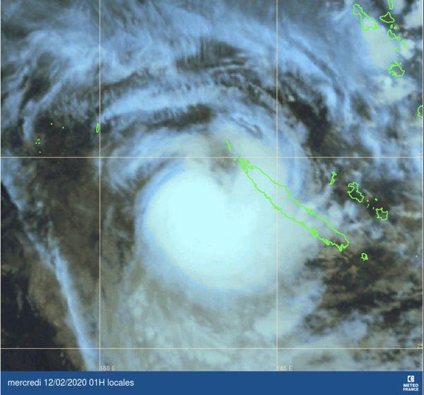 Cyclone Uesi, point satellite de mardi, 1 h