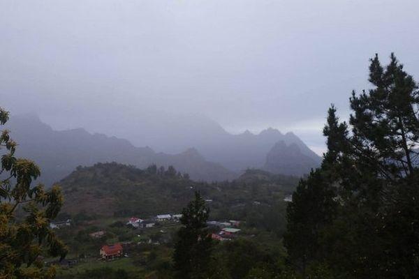 Cilaos sous les nuages août 2017