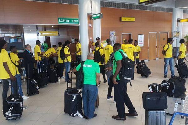 La sélection de Guyane en partance pour l'île de la Martinique