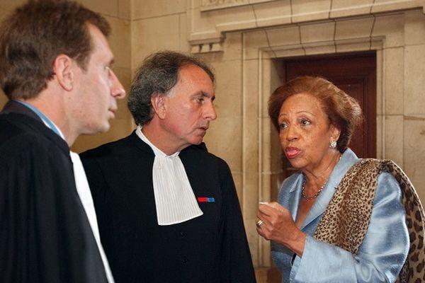 La sénatrice-maire de Basse-Terre  au tribunal correctionnel de Paris en 2002