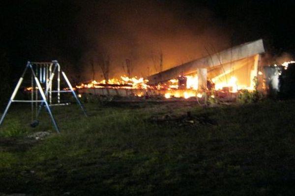 Rangiroa : le corps d'une femme découvert après un incendie