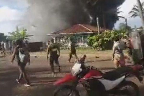 Scènes de violence à l'île de Pâques