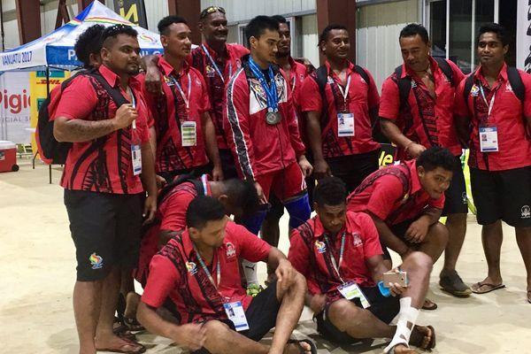 Israel Kaikilekofe triple médaillé d'haltérophilie au Vanuatu 2017