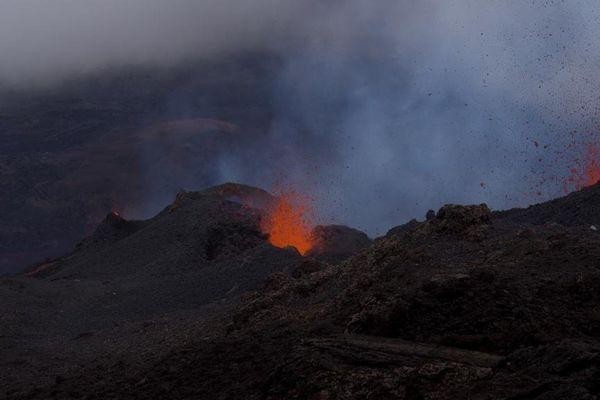 Eruption au 5 fev 2015 1