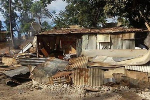 Destruction de bangas à Mayotte