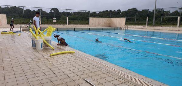 L'association de Natation de Macouria initie un stage pour apprendre à nager