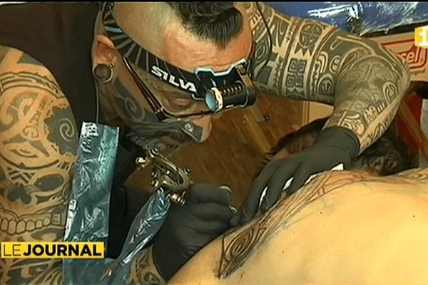 Le mondial du tatouage à Paris.