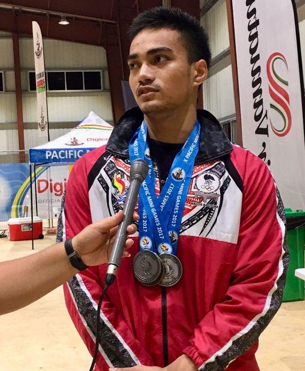 Israel Kaikilekofe décroche 3 médailles pour Wallis et Futuna en haltérophilie