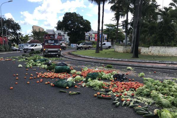 fruits et légumes jetés