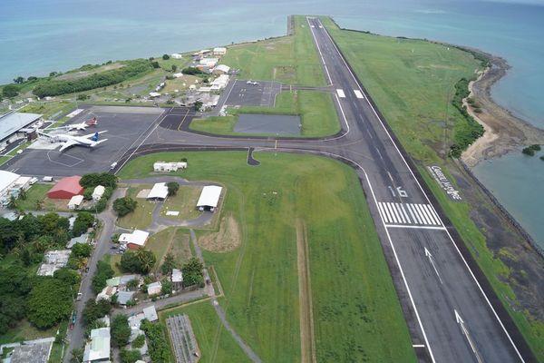 L'aéroport de Mayotte: l'une des pistes les plus courtes au monde, 1930 mètres