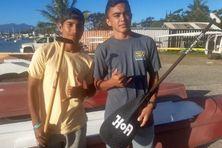 Les jeunes rameurs Taaroa Pani et Kaimana Bastien