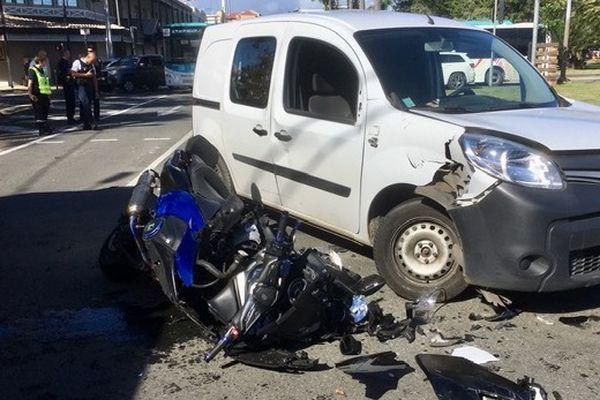 Un accident de la route au centre-ville